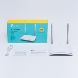 TP-LINK TL-WR820N IEEE 802.11n Ethernet Wireless Router