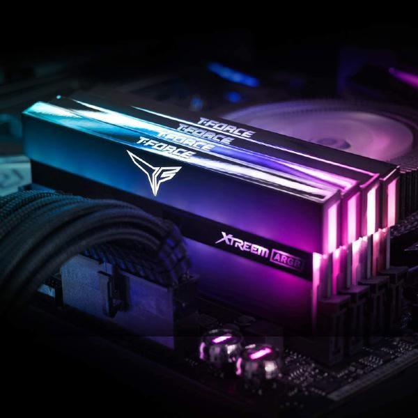 Team T-Force Xtreem Argb Series 16GB (2x8GB) Dimm 4000MHz Dram Black Heatspreader
